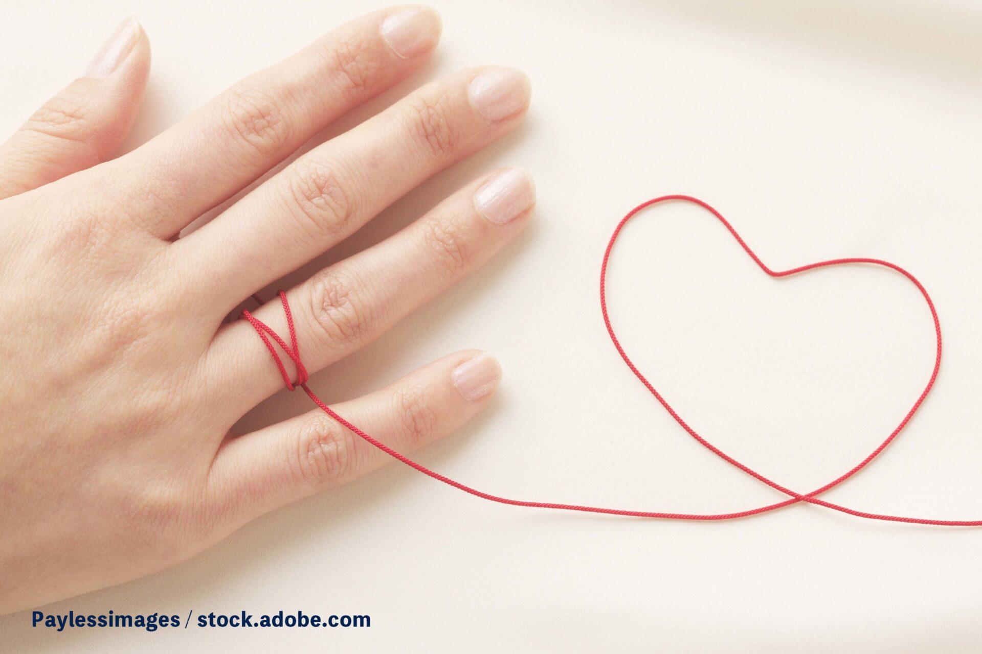 【噂の真相】薬指が長い女性は不妊になりやすい